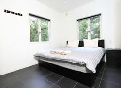 Powdersuites bed room  250 x183