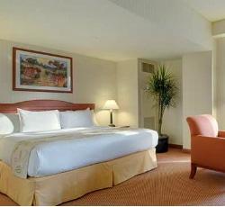 Hilton Portland bedroom 250x230