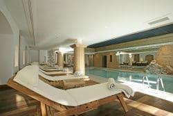 Val d'Isere Les Barmes Pool 250x167